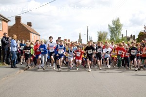 Langtoft 10k Run 2010 Childrens Start Line